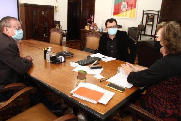 Vereador Edemar Borges mantém audiência com a secretária Silvana Covatti