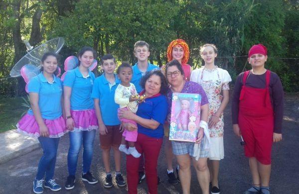 Vereadores Mirins desenvolvem ação em comemoração ao Dia das Crianças.